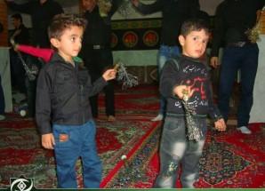 تصاویر/ زنجیرزنی کودکان در اریسمان