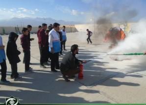 هجدهمین مانور سراسری زلزله و ایمنی در مدارس اریسمان برگزار شد + تصاویر